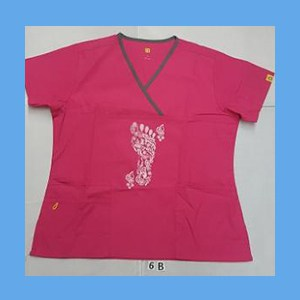 Wonder Wink Scrub Top Henna Tattoes Hot Pink/Pewter Trim (Large) OVERSTOCK Scrubs Top Hot Henna Tattoes Pink/Pewter Trim